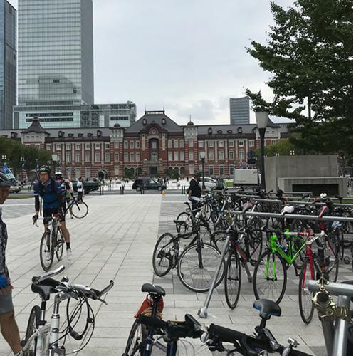 初めのエイドは東京駅